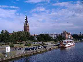 Elbing Polen Stadtpanorama mit Nikolaikirche, vom anderen Flussufer aus gesehen